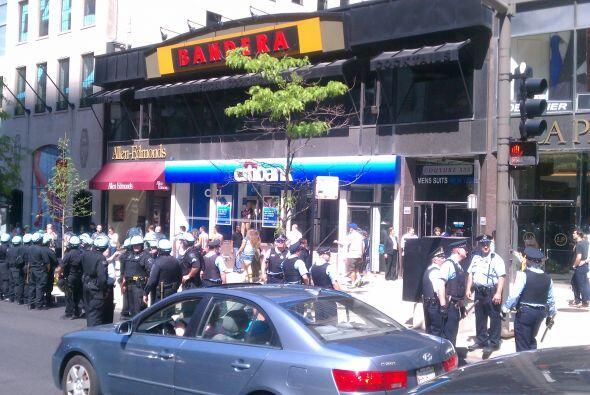 Al menos dos eventos donde la policía ha tenido que esposar a protestant...