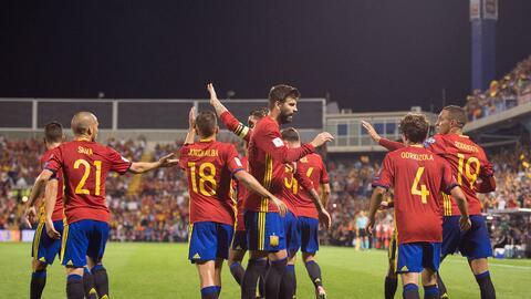 Pese a la goleada de España, Gerard Piqué no se salvó de ser abucheado g...