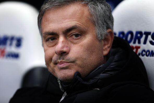Mourinho siempre da un espectáculo aparte en el banquillo. Si el juego n...
