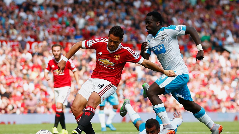Javier Hernández estuvo cerca de marcar el gol de la victoria del Man-U.
