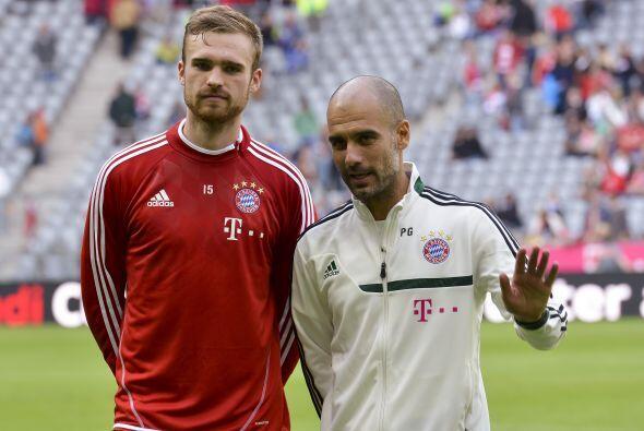 El Bayern ya anunció la cesión de su defensa Jan Kirchhoff al Schalke 04...