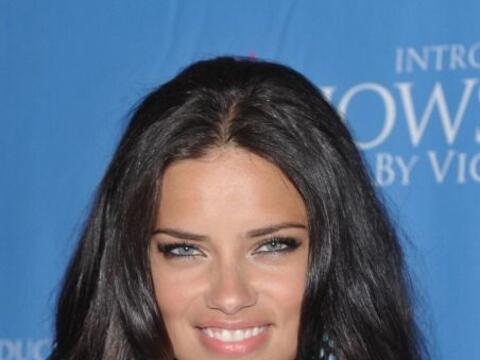 ¡Tú, al igual que Adriana Lima, luce un rostro limpio bajo...