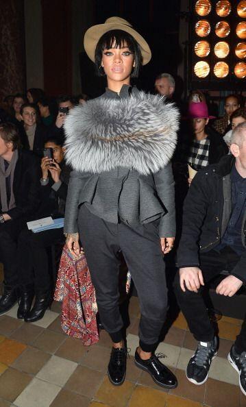 Para el Front Row de Lanvin en París, Rihanna sacó su lado...