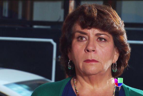 En cuando Lola se entere de que sus abuelos le han mentido toda la vida,...