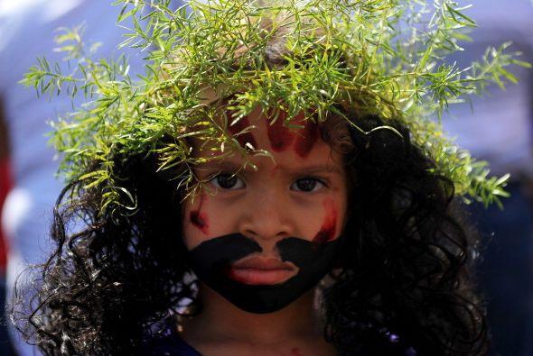No faltan los niños disfrazados de Jesucristo.