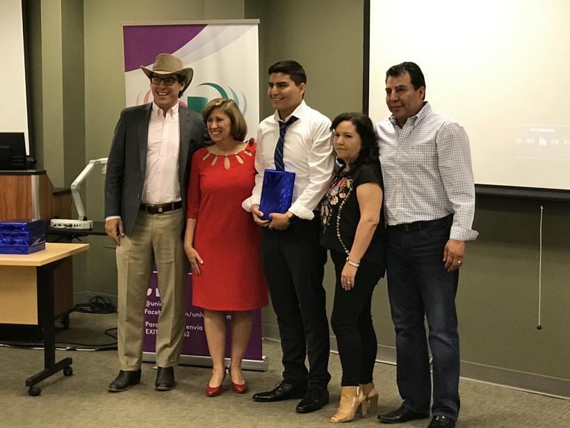 """El programa """"Nuestra Juventud"""" fue fundado por Univision 40 North Caroli..."""
