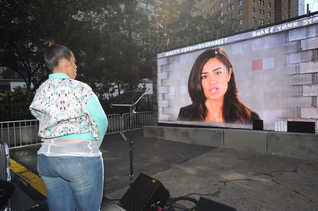La actriz dominicana radicada en Brooklyn, Dascha Polanco, observa en el...