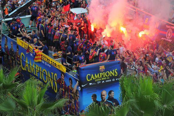 Unas cien mil personas festejaron con algarabía su título de Liga. El eq...
