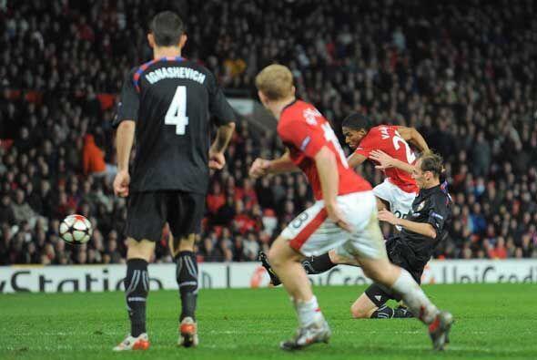Ya en el descuento este disparo de Antonio Valencia le dio el empate al...