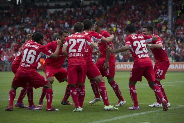 Otro que podría levantar la copa en el Clausura 2015 es el Toluca, el cu...