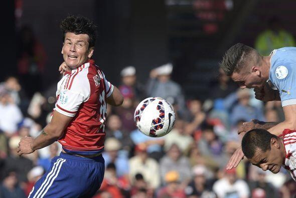 Uruguay fue el primero en irse al frente por medio de José Giménez.