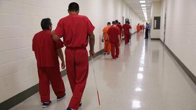 Más de la mitad de los indocumentados que murieron bajo custodia de ICE lo hicieron por falta de atención médica, según HRW