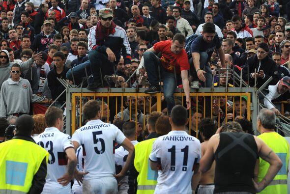 Al final del duelo hubo incidentes entre el público de Novara y los juga...