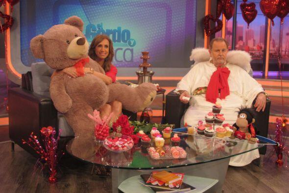 Lili también recibió varias sorpresas durante el programa, y este peluch...