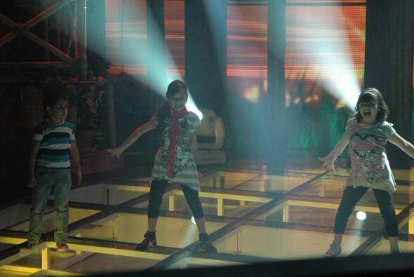 Y en la pista de baile Karla, Jesús y Diana encendieron la pista con sus...