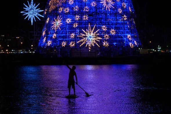 El espíritu navideño estará presente con este árbolito que será prendido...