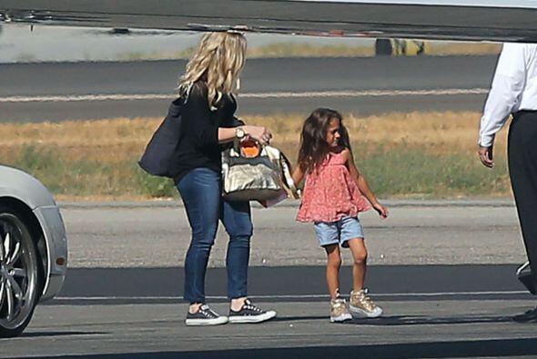 La prueba es la pequeña Emme, quien es igualita a su mami, también le si...