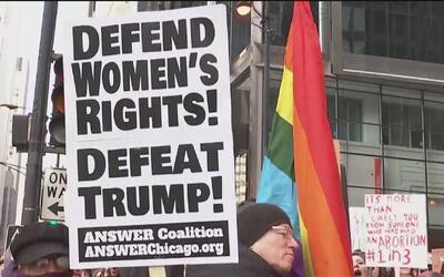 Personas a favor y en contra del aborto se reunieron en la Plaza Federal...