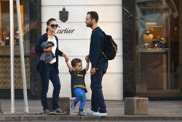 """Pero el pequeño Aleph parece encontrar en las manos de sus papás el """"col..."""