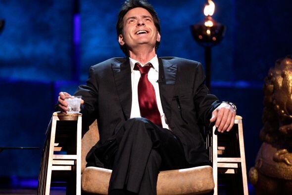 Parece que Charlie Sheen se ríe de la vida con todo y que despu&e...