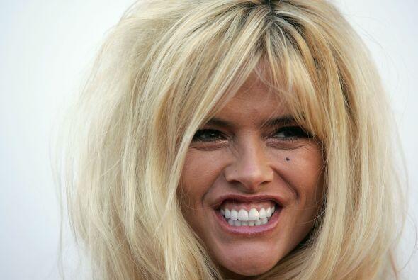 27- Anna Nicole Smith.  La bella actriz y modelo fue encontrada muerta c...