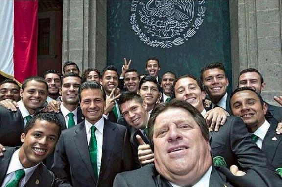 Antes de partir hacia Brasil para el Mundial del 2014, el Tri dejó dos s...