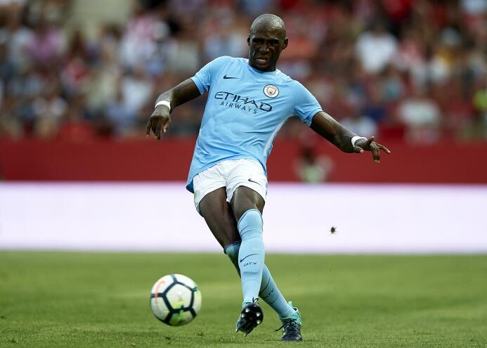 Manchester City sugue buscándole salida a Eliaquim Mangala. Ahora se hab...