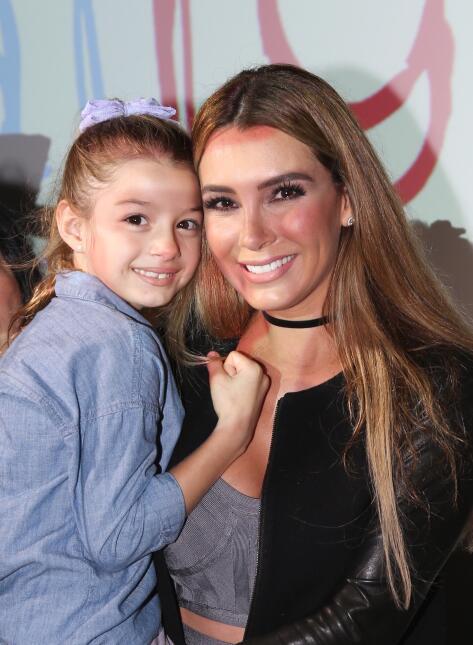 Elizabeth Gutiérrez fue madrina de una escuela de actuación para niños y...