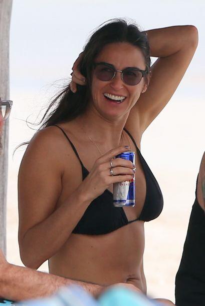 Desde que firmó su divorcio con Ashton Kutcher se ve más feliz que nunca...