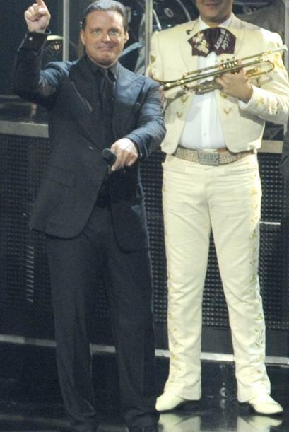 Mira más fotos de Luis Miguel.Mira aquí los videos más chismosos.