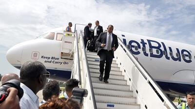 El vuelo de 52 minutos que volvió a conectar a Cuba y EEUU