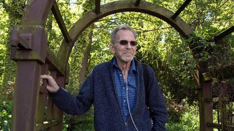 Bruce Mead-e tiene cáncer de pulmón avanzado desde hace cu...