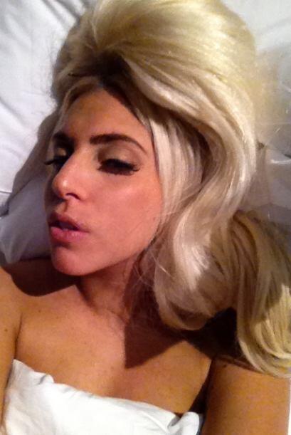 """""""Buenas noches, pequeñas bellezas""""-@LadyGaga."""
