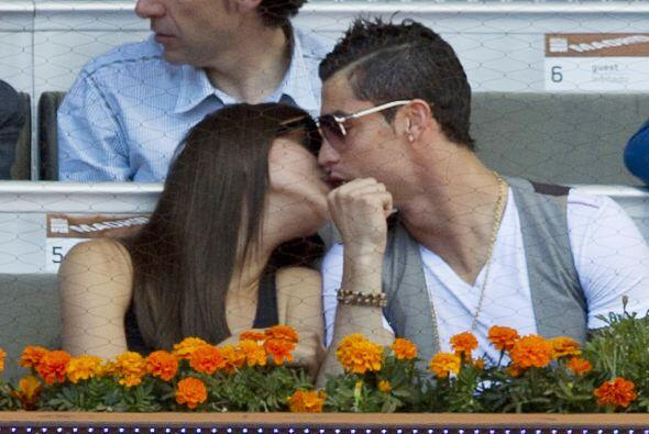 Irina es más celosa de su imagen pero al guapo futbolista no le importa...