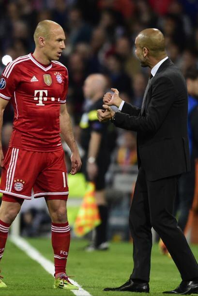 Pep Guardiola sufrió de frustración por largas porciones del encuentro....