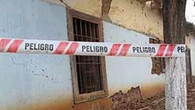 Chile: Piñera recorre zonas afectadas por terremoto 7573d19cf1a04bbeb217...