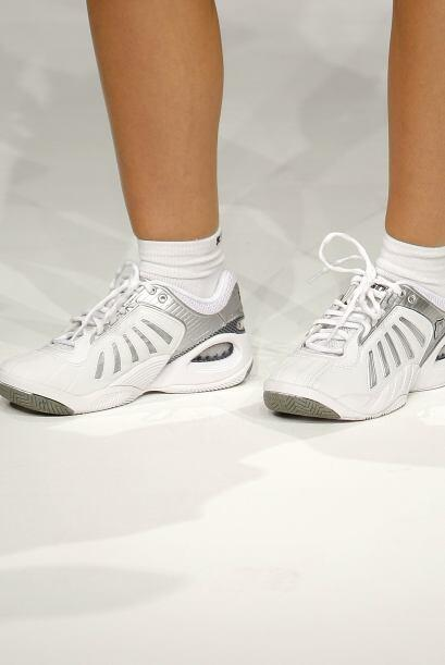 ¡El básico calzado deportivo sigue siendo del mismo estilo, pero de dife...