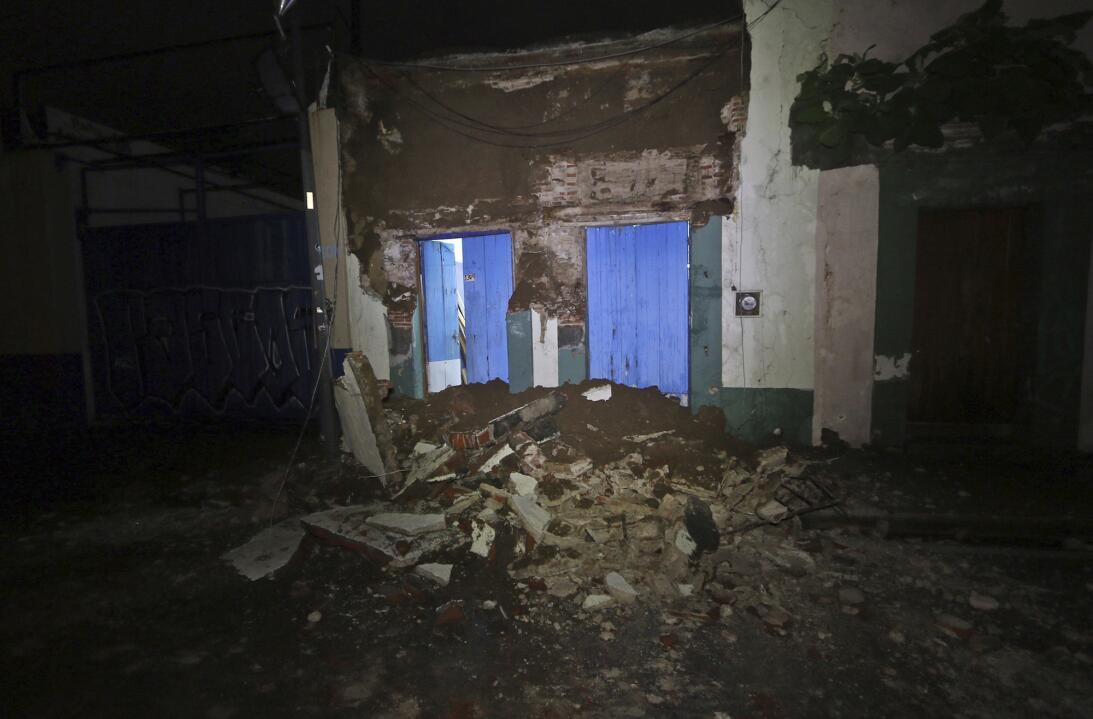 Daños en una vivienda en Oaxaca, a consecuencia del fuerte terremoto en...