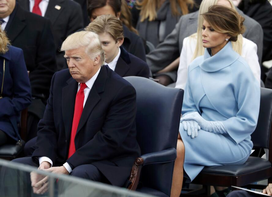 In photos: President Trump is sworn in 2017-01-20T164946Z_1279241055_HT1...