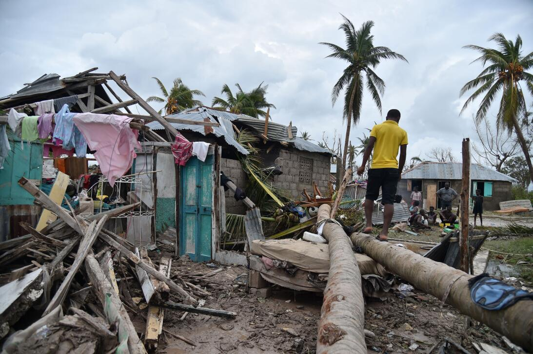 Matthew ripped the roof from this church in Les Cayes, Haití.