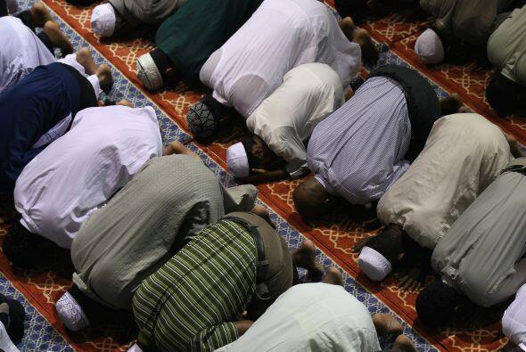 El Islam tiene sus raíces junto con las del judaísmo y el cristianismo y...