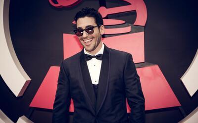 Miguel Ángel Silvestre celebra la música latina y sobre to...