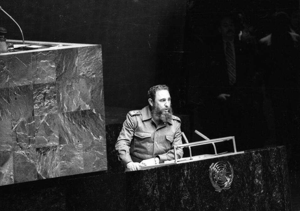 Castro comparece ante la ONU como presidente del Movimiento de Países No...