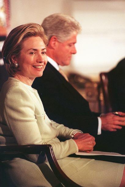 Clinton y su esposa, Hillary Clinton, la actual secretaria de Estado, se...