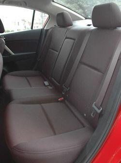 A pesar de que el nuevo Mazda3 es un poco más grande las plazas traseras...
