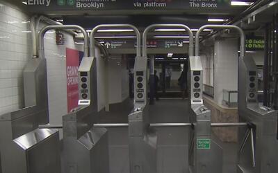 Un hombre fue atacado por un desconocido en una estación del subway en M...