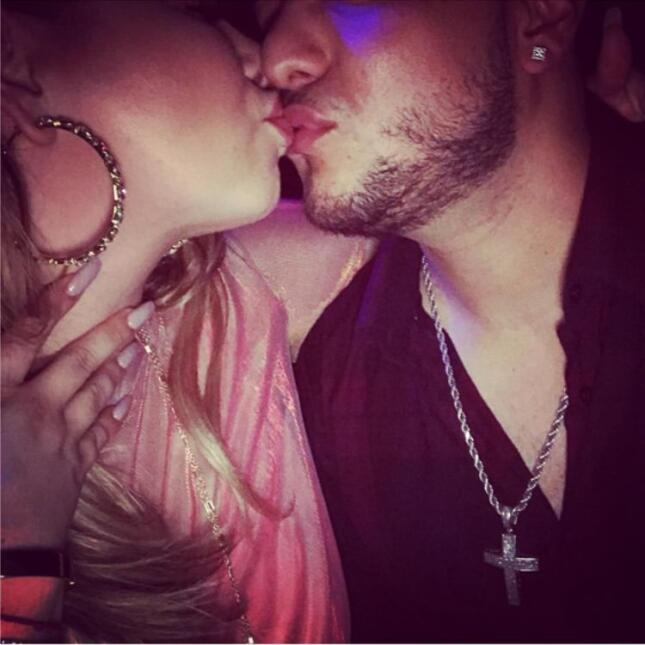 Beso chiquis y Lorenzo