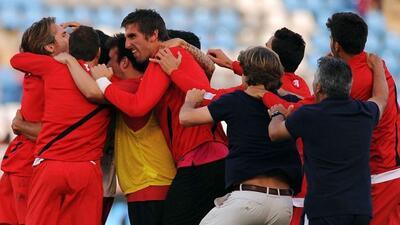 Los jugadores del Almería se fundieron en un abrazo apenas sabían que lo...