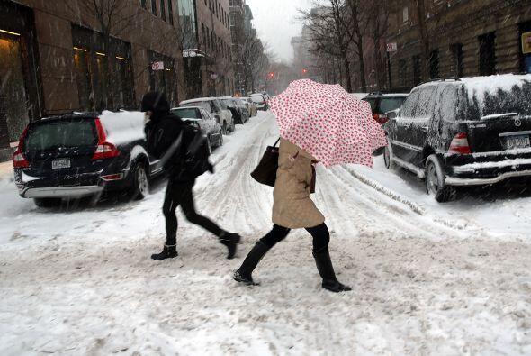 """La nieve que deja la tormenta invernal """"Pax"""" en la costa este de Estados..."""