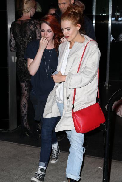 Kristen Stewart y Riley Keough dejaron el glamour para ir al after c&oac...
